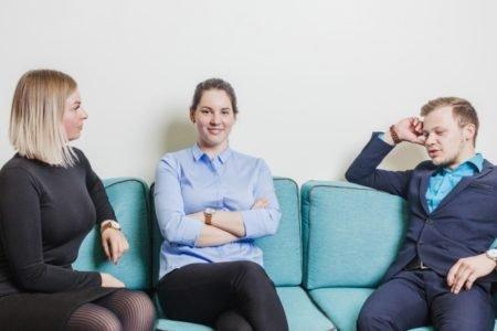 O post de hoje vai falar sobre a diferença de pronúncia e significado entre as palavras coach e couch. Confira e aprenda mais essa!